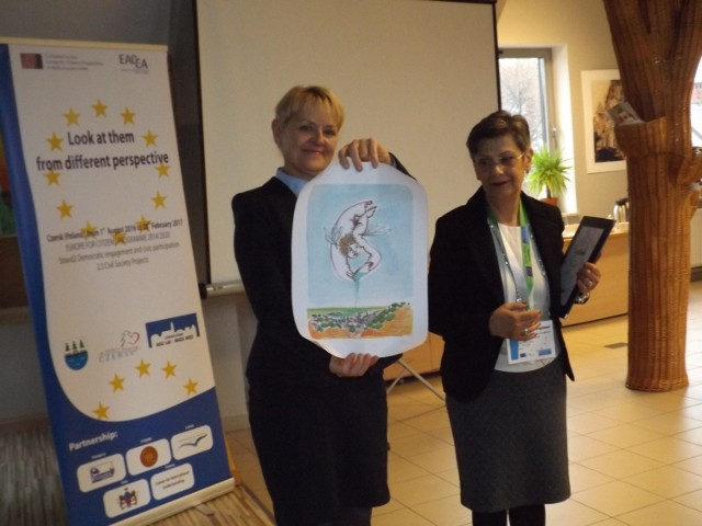 Burmistrz Czerska Jolanta Fierek z Angelą Fogliani, radną rady miejskiej miasta Brolo we Włoszech. Czersk liczy na partnerska