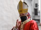 Arcybiskup Głódź stracił honorowe obywatelstwo Warszawy. Radni PIS protestują!