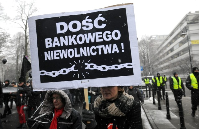 Sąd Apelacyjny wskazał jedynie na dwa możliwe scenariusze: utrzymanie kredytu w PLN z oprocentowaniem dowolnie ustalonym przez strony albo istnienie kredytu w PLN, nieoprocentowanego.