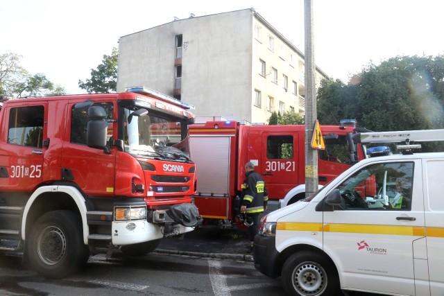 Pożar mieszkania. 30 osób ewakuowanych