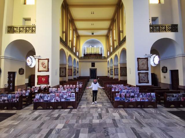 Zdjęcia 140 parafian przyozdobiło ławki w lubelskim kościele. W ten sposób chcieli dodać otuchy księdzu proboszczowi Arkadiuszowi Paśnikowi, który tego dnia obchodził swoje urodziny.