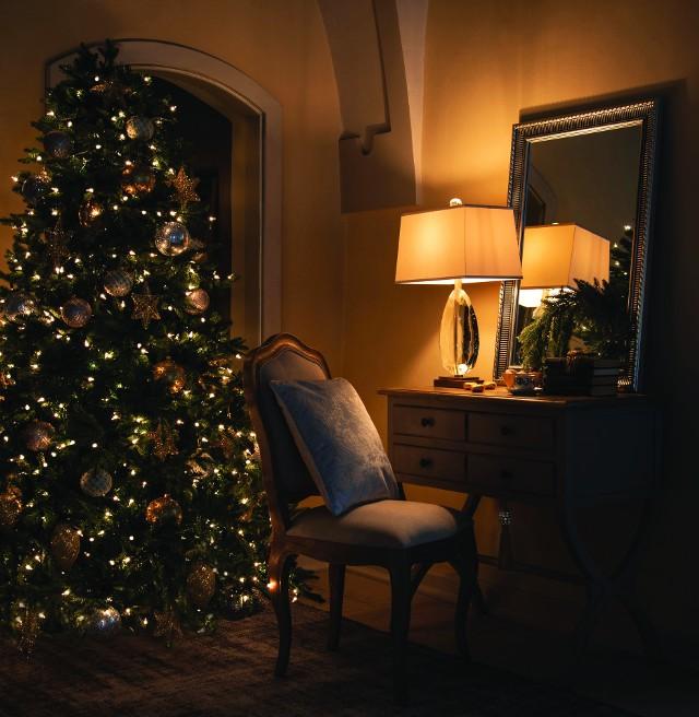 Dekoracje na świętaNic tak nie buduje atmosfery świąt, jak świąteczne dekoracje.