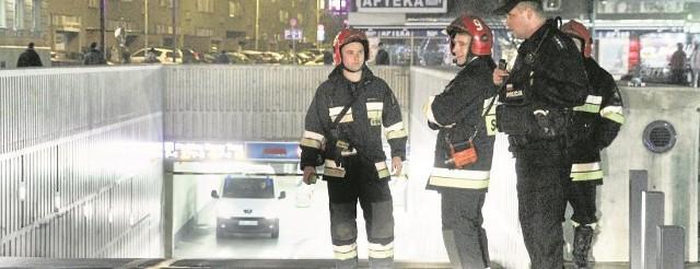 15 grudnia 2013 r. - ewakuacja parkingu pod pl. Nowy Targ. Przekroczono bezpieczny poziom tlenku węgla. Powodem były zepsute  szlabany, które wypuszczały auta z garażu. W tym momencie na parkingu