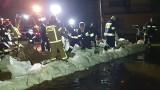 Opolskie. Kadłub i Osiek - woda z lokalnych rzek i rowów zalała domy. Nocna akcja strażaków i mieszkańców pod Strzelcami Opolskimi