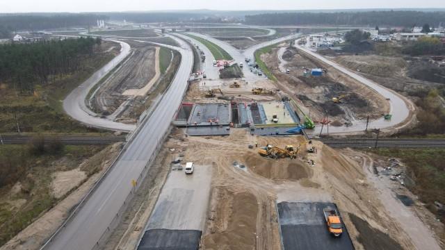Praca wre między innymi na drodze ekspresowej S5, której częścią jest północno-zachodnia obwodnica Bydgoszczy (na zdjęciu).