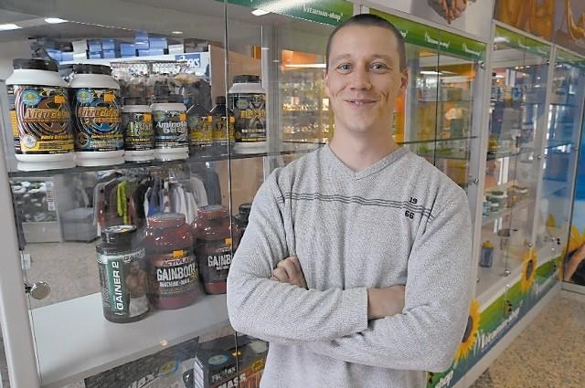 - Szukałem lokalu w centrum miasta. Dla sklepu to ważne - mówi kędzierzynianin. (fot. Daniel Polak)