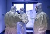 Koronawirus. Pozostawieni sami sobie i kneblowani lekarze prowadzą wojnę partyzancką z epidemią