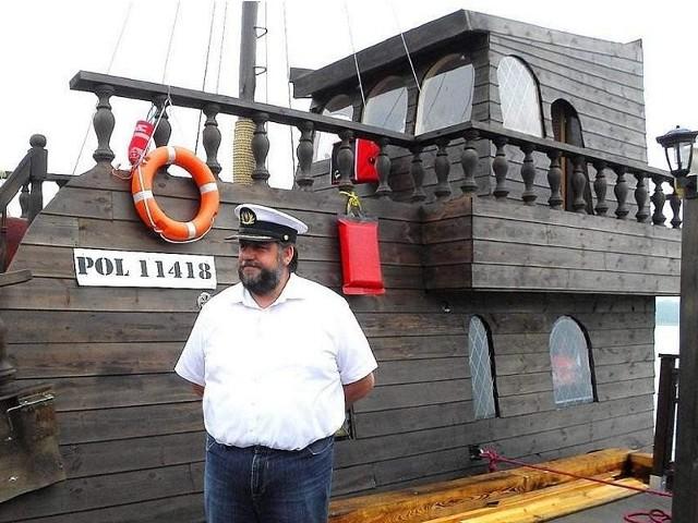 Kapitan Dariusz Gańcza osobiście zaprasza na pokład