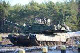 Polscy żołnierze wzięli udział w Bottle Cap Challenge. Otwierają butelkę... czołgiem! [wideo]