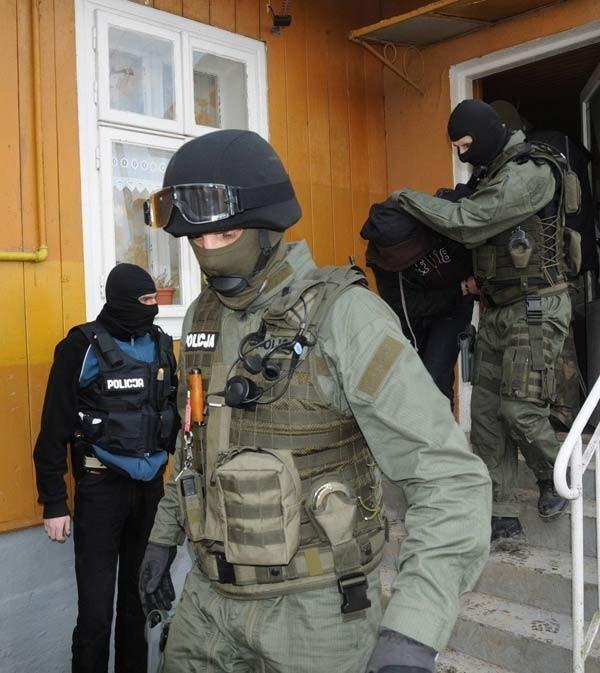 Zdjecia z zatrzymania handlarza narkotykami przez CBŚ.