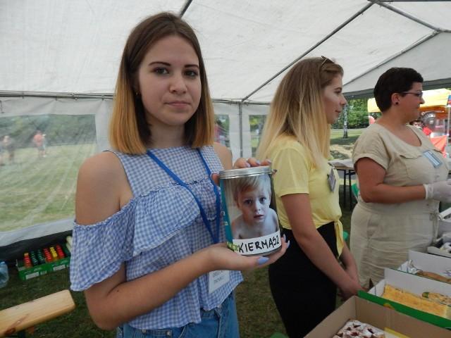 Piknik charytatywny na błoniach PO dla Dawidka Drapacza.