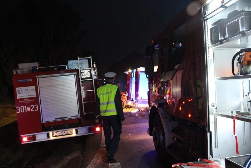 Groźny wypadek na Strykowskiej. Trzy osoby ciężko ranne [ZDJĘCIA+FILM]
