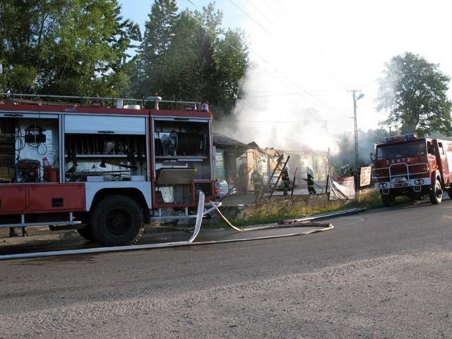 Pożar w ChmielnikuGroźny pożar wybuchł ok. godz. 4 nad ranem w budynku należącym do Gminnej Spółdzielni w Chmielniku. Spalił się towar w magazynach.http://www.youtube.com/watch?v=JO_Hckaw-ks