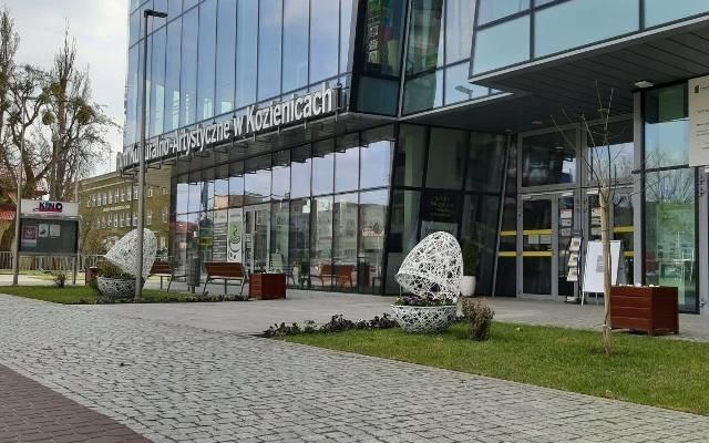 Kozienicki Dom Kultury zaprasza na wystawę prac uczestników zajęć artystyczno-plastycznych Uniwersytetu Trzeciego Wieku.