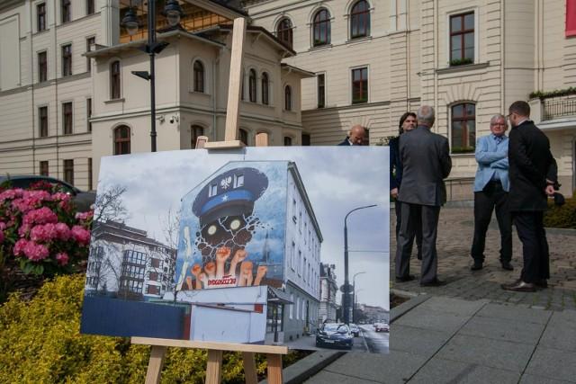 Na muralu upamiętniającym wydarzenia Bydgoskiego Marca'81 pojawi się znak zwycięstwa.