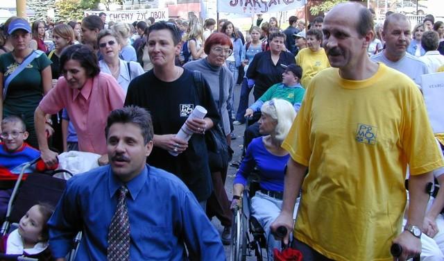 Andrzej Zieliński (z lewej) wziął udział w stargardzkim Przemarszu Godności.
