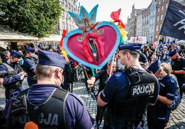 """Biskup Jezierski zabrał głos w sprawie inicjatywy """"Stop LGBT"""""""