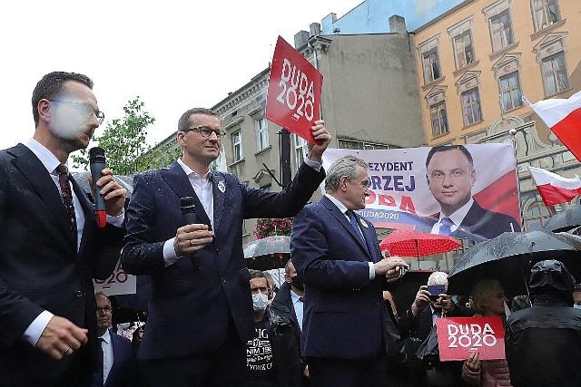 Premier Morawiecki w Łodzi zabiegał o poparcie dla Andrzeja Dudy. Zobacz jak PiS walczy o głosy w wyborach prezydenckich