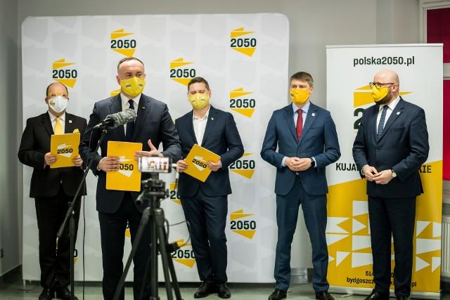 Michał Kobosko przedstawił dwóch nowych samorządowców, którzy zasilą szeregi Polski 2050 Szymona Hołowni.