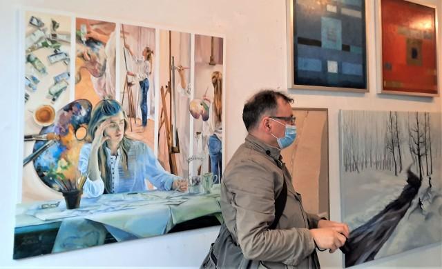 """21 maja 2021 r. Otwarcie wystawy """"Bądźmy Pro Arte"""" w Galerii Pro Arte na zielonogórskim Starym Rynku"""