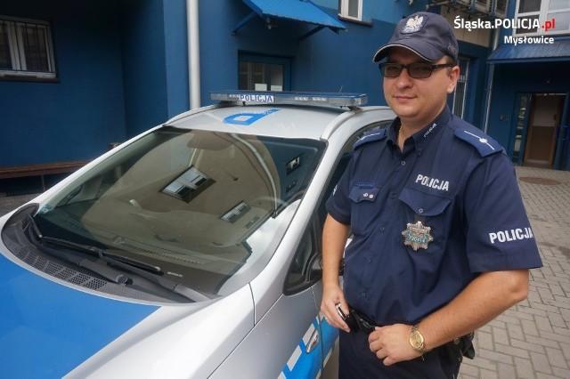 Skierowany na miejsce dzielnicowy - mł. asp. Adrian Bandziarowski - po ustaleniu szczegółów zdarzenia, ruszył na poszukiwania sprawców.