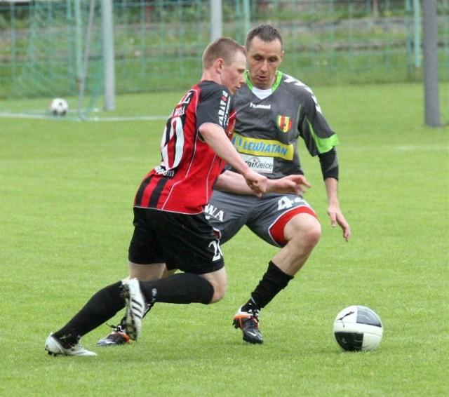 Artur Cebula (z lewej) chce wrócić do gry w Stali Stalowa Wola w pucharowym meczu ze Śląskiem Wrocław.