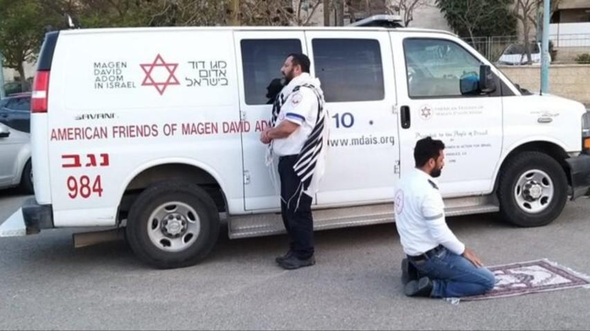 Izrael: to zdjęcie poruszyło internautów. Jaka historia za nim stoi?