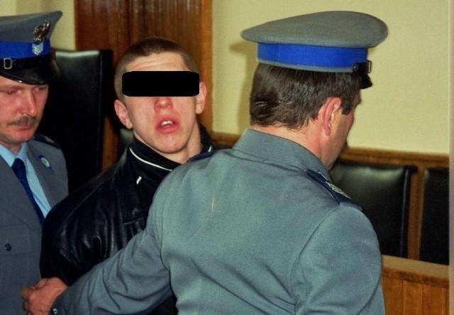 Paweł M. w 1998 r. na procesie sprawie zranienia Dino Baggio