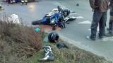 Motocyklista uderzył w samochód w Bydgoszczy! [zdjęcia]