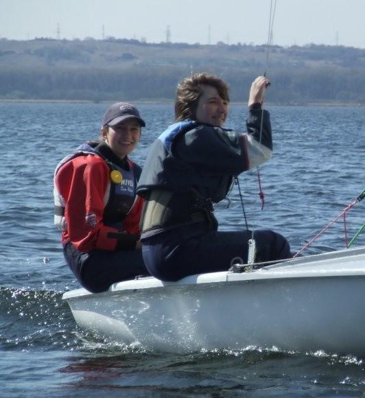 W łodzi Marta (z prawej) i Judyta spędzają z sobą kilkadziesiąt godzin w ciągu miesiąca. Na głębokiej wodzie skazane są tylko na siebie. Jak przyznają, chcą czy nie, muszą się lubić i świetnie rozumieć.