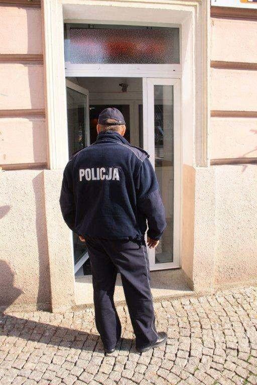Włamywacze okradli salon jubilerski przy ul. Krakowskiej.
