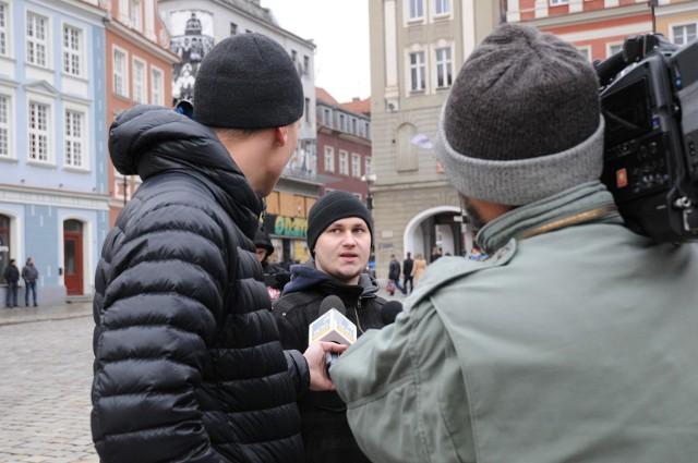 Manifestacja narodowców na Starym Rynku. Przyszło dziesięć osób
