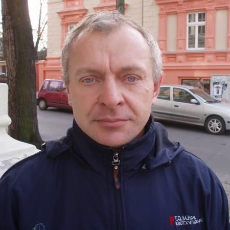WIESŁAW KOSZELA, właściciel firmy budowlanej z Nowogrodu Bobrzańskiego popiera apel zielonogórskich kibiców