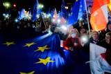 Uzależnienie wypłat z UE od praworządności? Komisarz mówi o kwestii dni