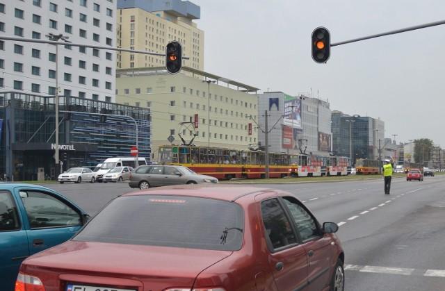 Z powodu awarii, ruchem na kilku skrzyżowaniach kierowali policjanci