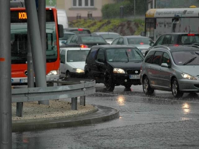 Kolejna ulewa w Rzeszowie. Zdjęcia internauty