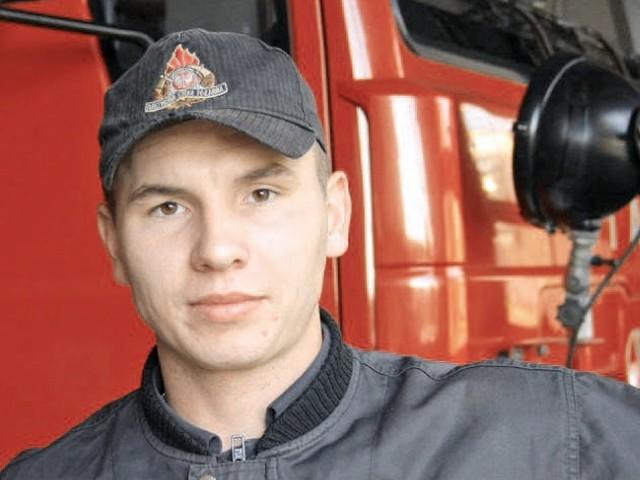 Miłość do straży pożarnej wyssałem z mlekiem matki - mówi Maciej Zdun, dowódca zastępu