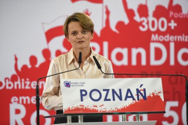 Synowie byłej wicepremier i posłanki z Poznania Jadwigi Emilewicz wzięli udział w zgrupowaniu narciarskim jak zawodowi sportowcy, choć nie posiadali licencji.