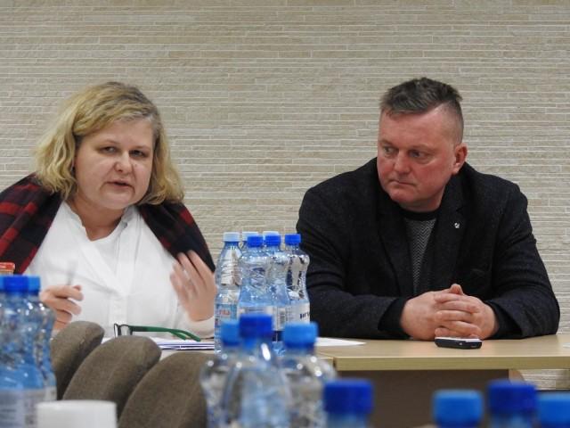 Przyłączenie Zawad do Białegostoku w 2004 r. nie miało skutkować zmianą charakteru tej miejscowości na wielkomiejską, zasiedloną blokami mieszkalnymi. Zgoła odwrotnie - stan budownictwa miał został utrzymany - napisała do władz miasta Katarzyna Bagan-Kurluta z KO, przewodnicząca komisji zagospodarowania przestrzennego.