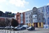 Plac Wolności w Rybniku miał być pastelowy, a jest nieco... pstrokaty. Czy tak odnowione elewacje są ładne? Oceńcie sami