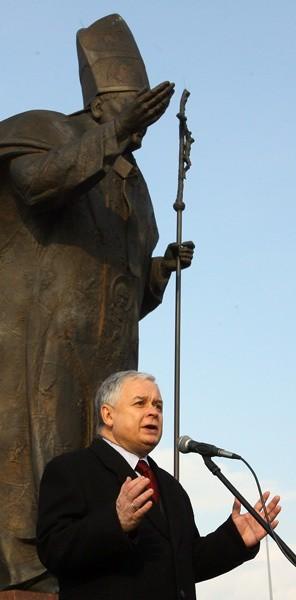 Prezydent Kaczynski w DebicyPrezydent Lech Kaczynski odwiedzil we wtorek Debice.
