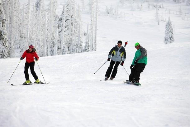 Wieżyca - ośrodek narciarski na Kaszubach coraz bardziej popularny (JAK DOJECHAĆ, NOCLEGI, ATRAKCJE)