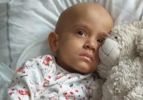 Amelka przebywa w klinice w Bydgoszczy. Wczoraj miała badanie tomografem. Czeka na wyniki. Czuje się troszkę lepiej. Choc po sepsie i zapaleniu płuc jest bardzo osłabiona