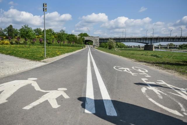 Poznań znany jest z dróg rowerowych - rowerzyści mają coraz lepsze warunki komunikacji, a teraz ma poprawić się możliwość docierania z centrum na osiedla północne i odwrotnie - z nich do centrum.