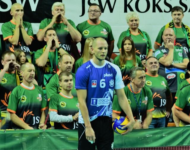 Jastrzębski Węgiel - Stocznia Szczecin 0:3. Od dotkliwej porażki rozpoczęli sezon przed własną publicznością siatkarze Jastrzębskiego Węgla.