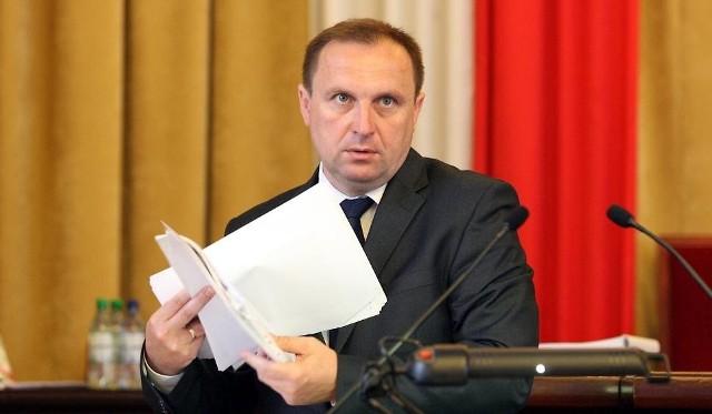 Skarbnik miasta Krzysztof Mączkowski przedstawił wczoraj radnym projekt autopoprawki do projektu budżetu Łodzi na 2016 rok. Dziś miejscy radni będą obradować nad kształtem przyszłorocznego budżetu
