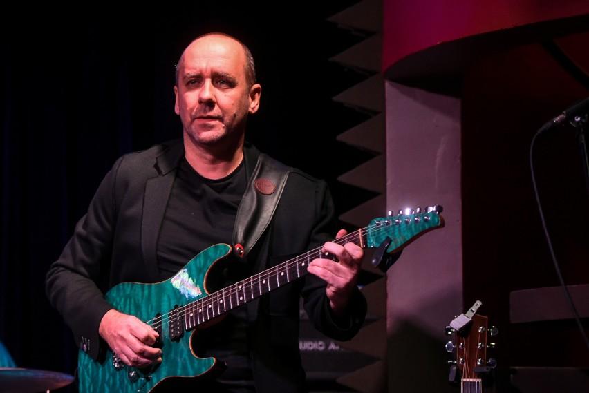 Marek Napiórkowski w klubie Blue Note