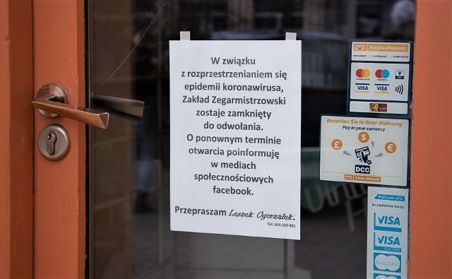 Wiele osób prowadzących działalność gospodarczą zamknęło swoje sklepy.