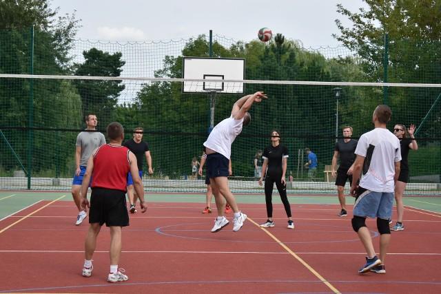Pierwszy turniej siatkówki w dolince w Olkuszu