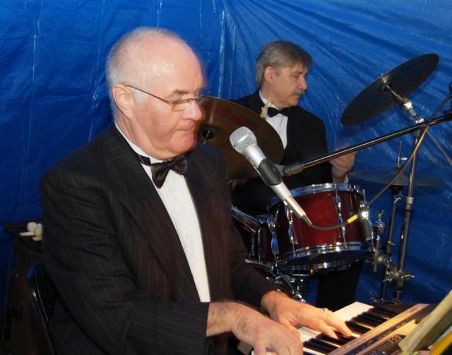 Old Man Jazz Quartet to m.in. grający na instrumentach klawiszowych Wiesław Stieler i perkusista Marek Surdyk